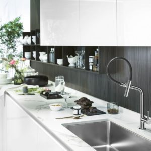 nobili-rubinetterie-ambientazione-rubinetteria-da-cucina-lamp-finitura-cromo-e1531298293518